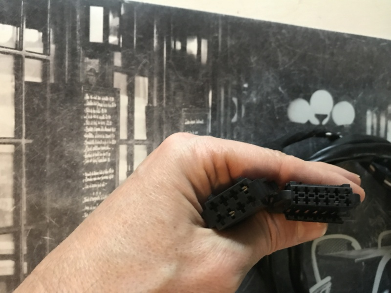 ( clôturé) Donne faisceau attelage +Boîtier Bluetooth  Image12