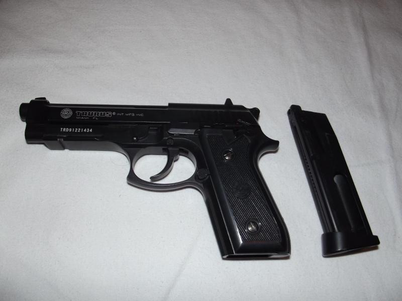 Taurus PT99 + Bushmaster predator (AntiSnipe)  Dscf0010
