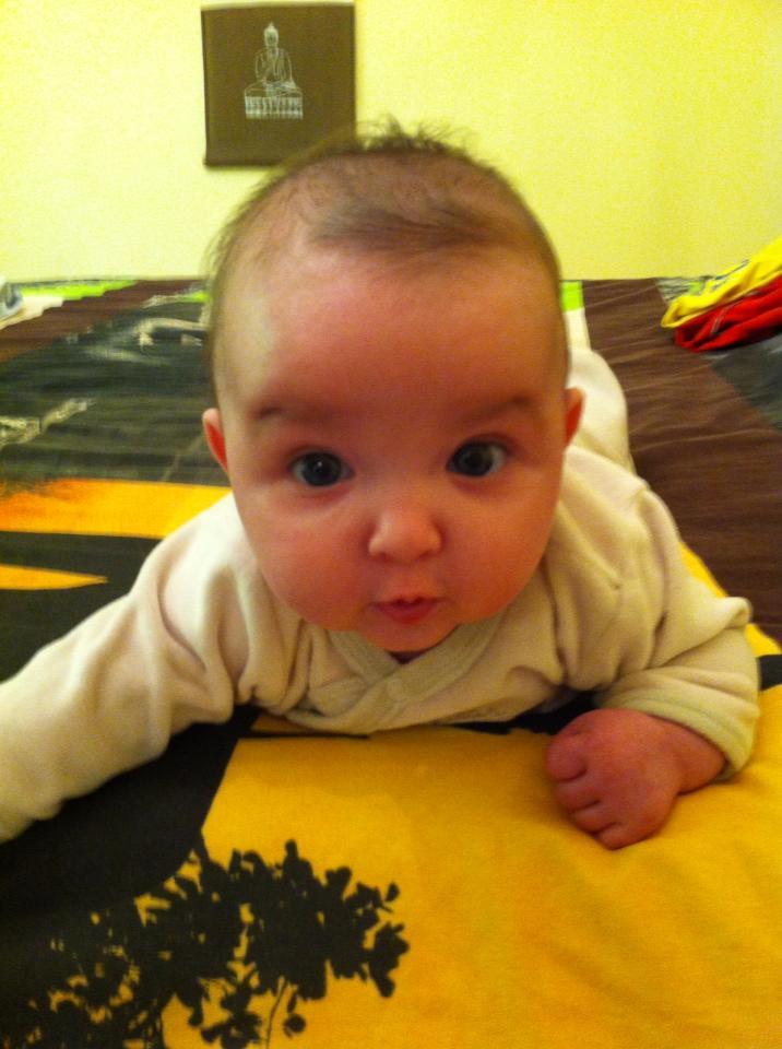 Depuis le 3 janvier ma vie reprend un sens , Lilou est née ! 52183311