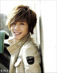Groupe SS501 Kim_hy10