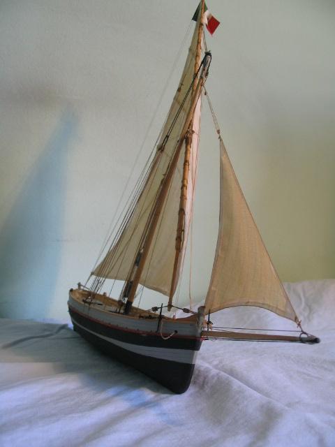 gozzo - modelli dal libro Vele della costa occidentale  ENRICO PILANI 100_0016