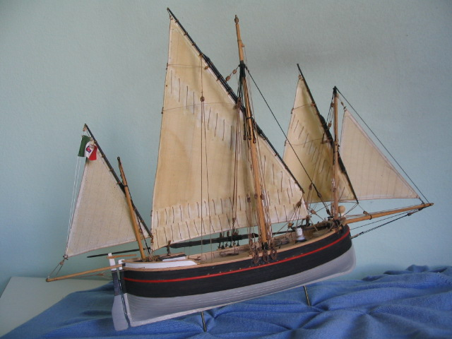 gozzo - modelli dal libro Vele della costa occidentale  ENRICO PILANI 100_0018