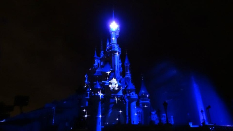 10 belges lâchés à Disneyland ! - Page 2 54360910