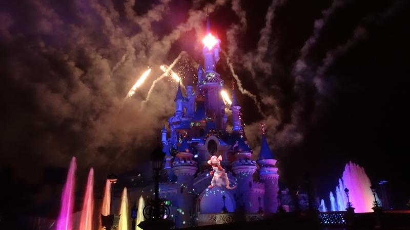 10 belges lâchés à Disneyland ! - Page 2 Dsc01513