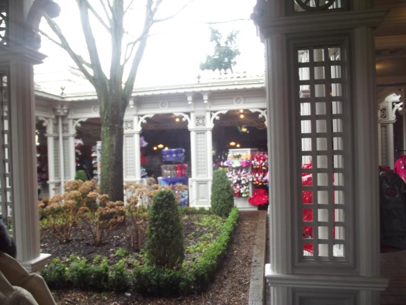 10 belges lâchés à Disneyland ! Dscf4113