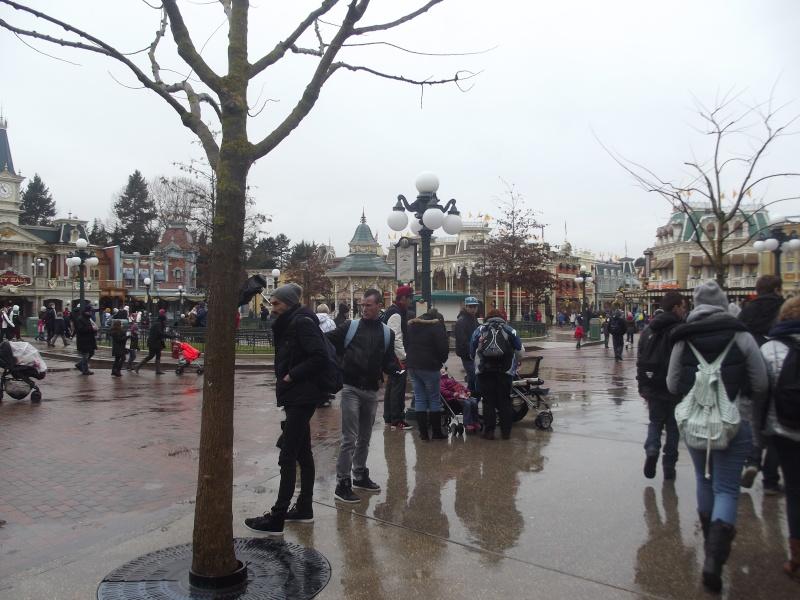 10 belges lâchés à Disneyland ! Dscf4114