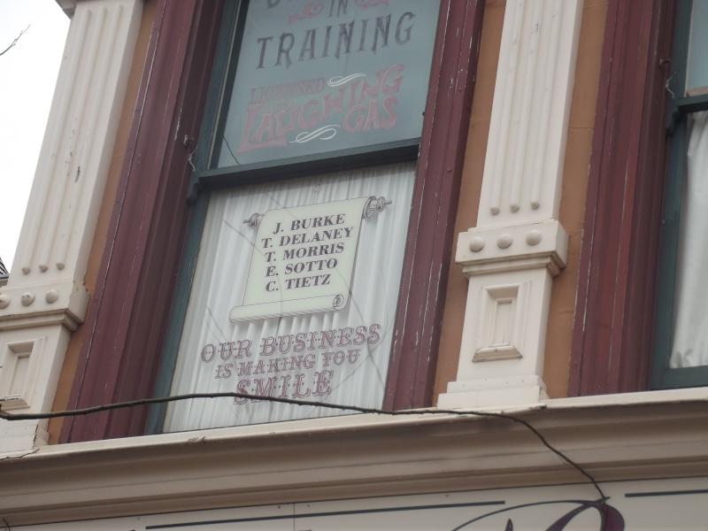 10 belges lâchés à Disneyland ! Dscf4115