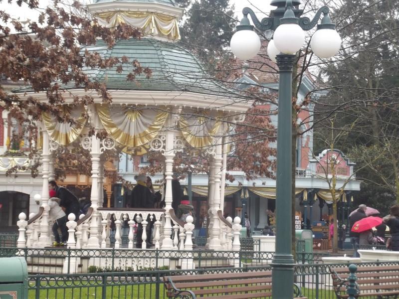 10 belges lâchés à Disneyland ! Dscf4117