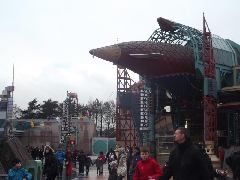 10 belges lâchés à Disneyland ! Dscf4120