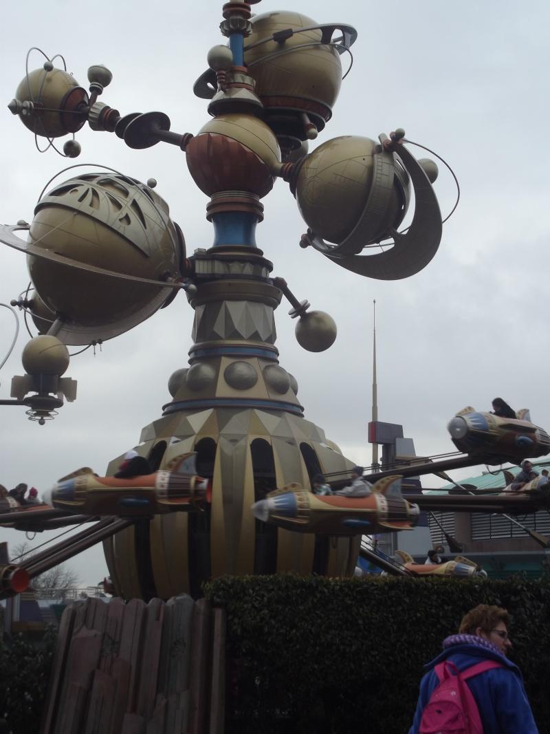 10 belges lâchés à Disneyland ! Dscf4121