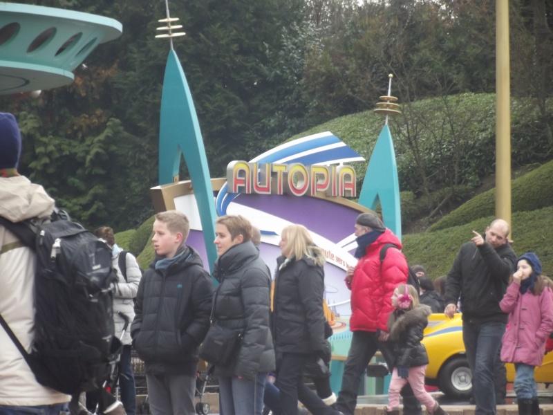 10 belges lâchés à Disneyland ! Dscf4124