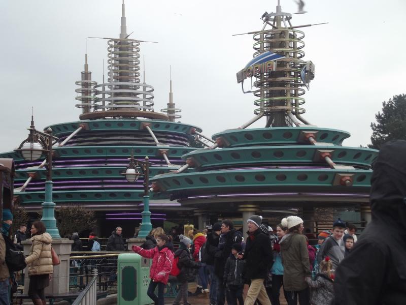10 belges lâchés à Disneyland ! Dscf4125