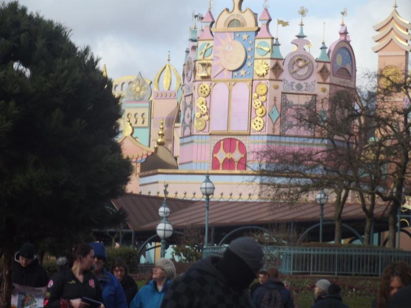 10 belges lâchés à Disneyland ! Dscf4126