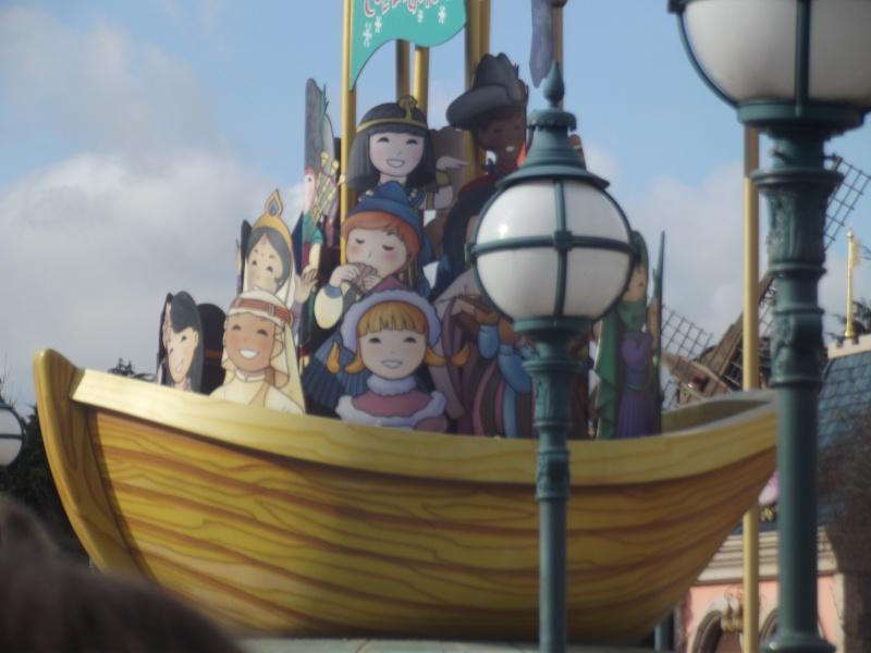 10 belges lâchés à Disneyland ! Dscf4127