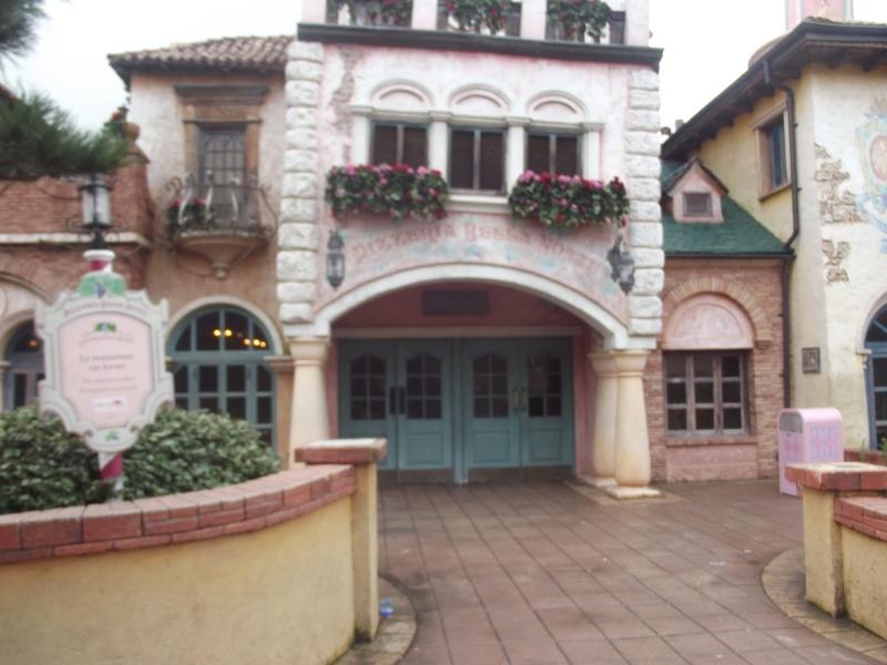 10 belges lâchés à Disneyland ! - Page 2 Dscf4215