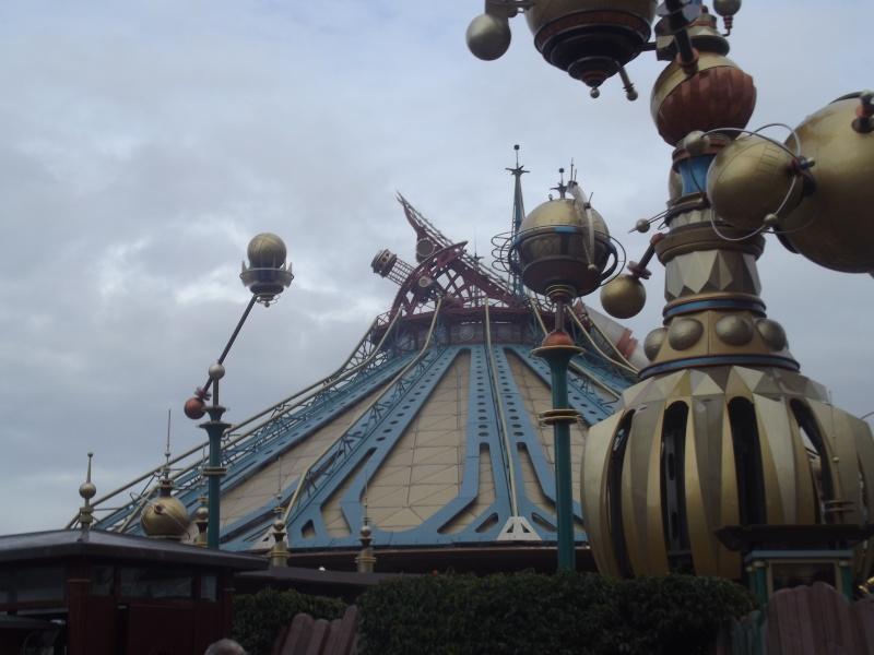 10 belges lâchés à Disneyland ! - Page 2 Dscf4217