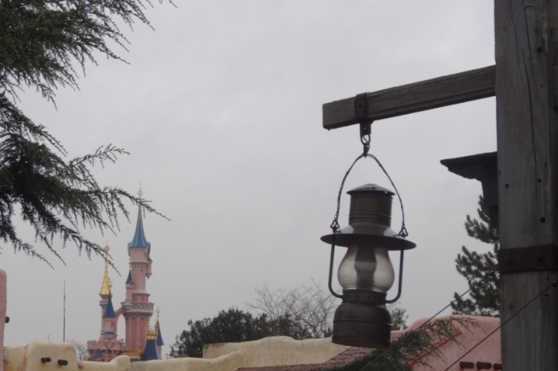 10 belges lâchés à Disneyland ! Img_0911