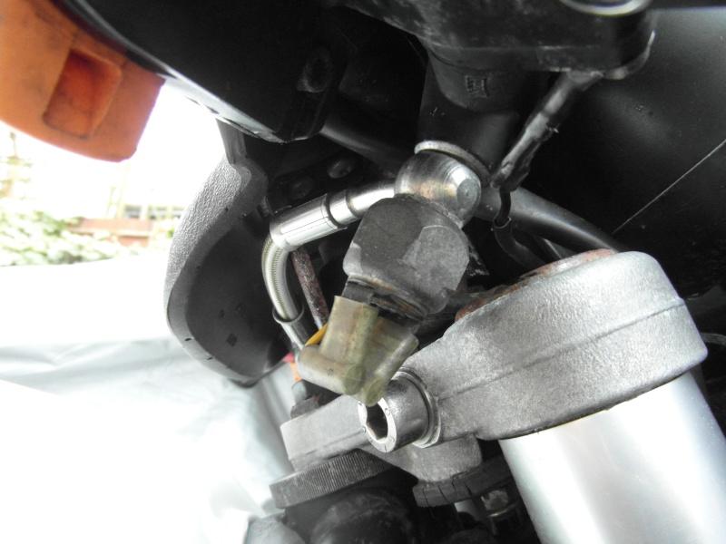Brake light relay. Front_10