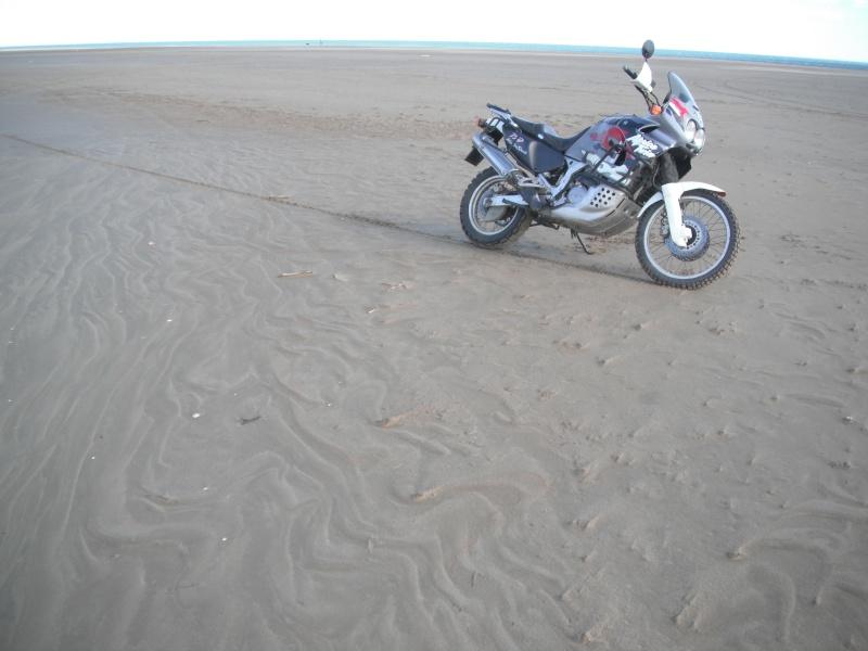 Terre - bitume, mais aussi neige et sable... Dscf2822
