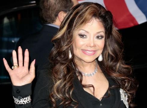 Tablóides: Filhos de Michael Jackson são pressionados a participar de Reality Show. Latoya10