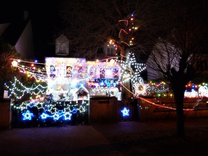 Illuminations de Noël lancement de la saison 2018! P1030312