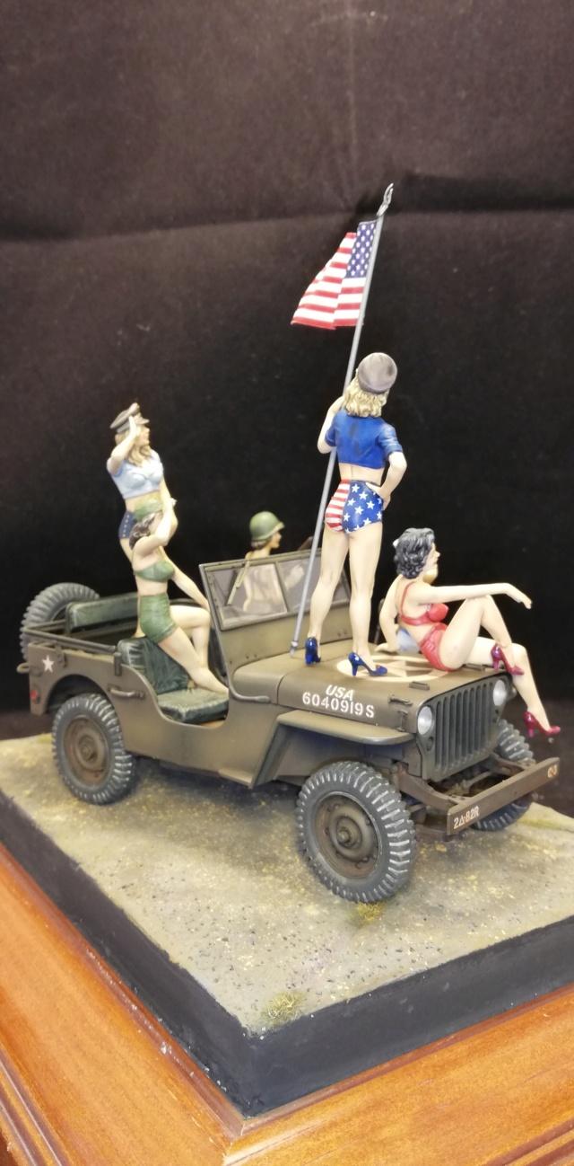 PIN-UPS - Masterbox 1/24 et Jeep Italeri Img_2076