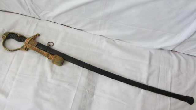 sabre d'officier d'artillerie avec poignée en demi-tête de lion WKC Img_9918