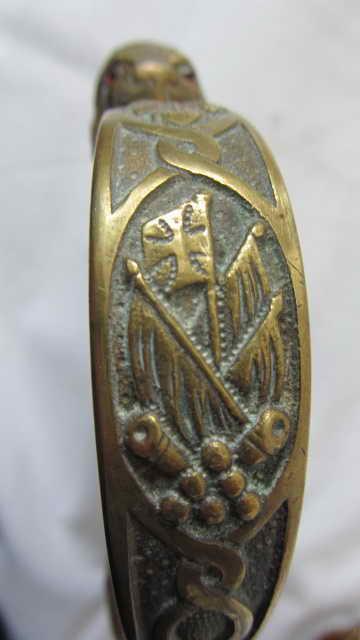 sabre d'officier d'artillerie avec poignée en demi-tête de lion WKC Img_9931