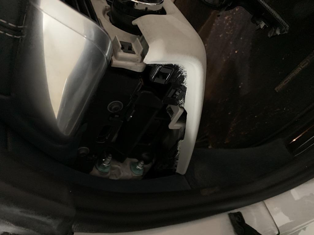 Tuto 991.2: Installation cache latéral de fin tableau de bord pièce DBCarbon 0d688810