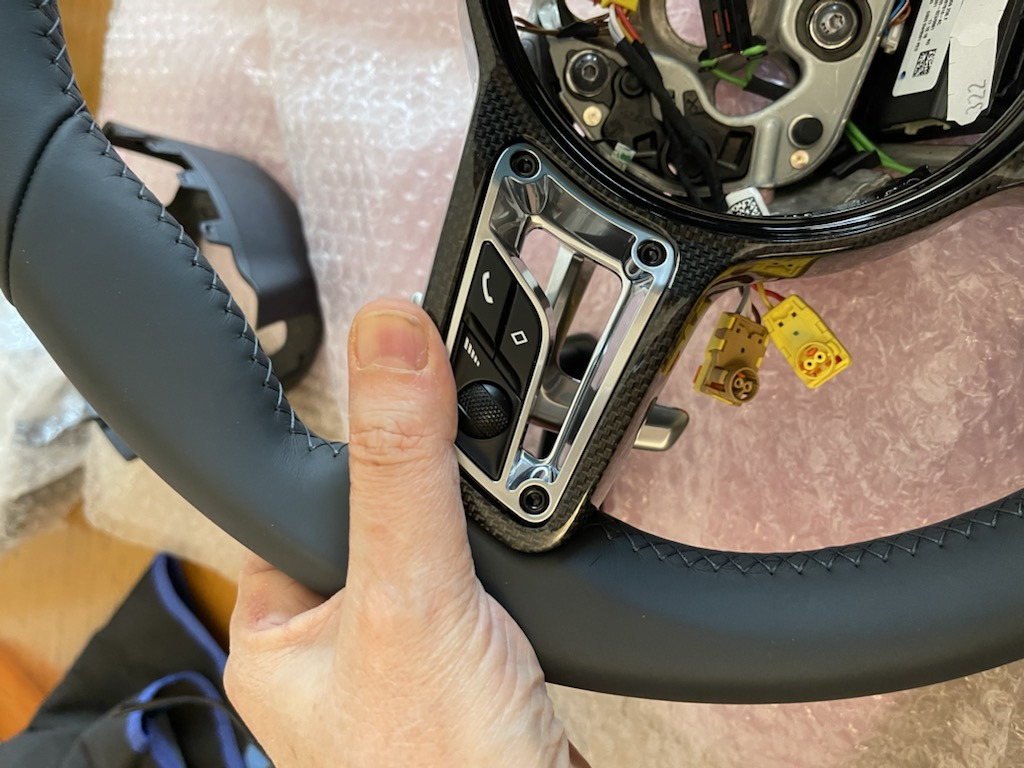 Tuto 991.2: customisation volant sport GT multifonctions PDK/Sport Chrono avec pièces DBCarbon 167dfc10