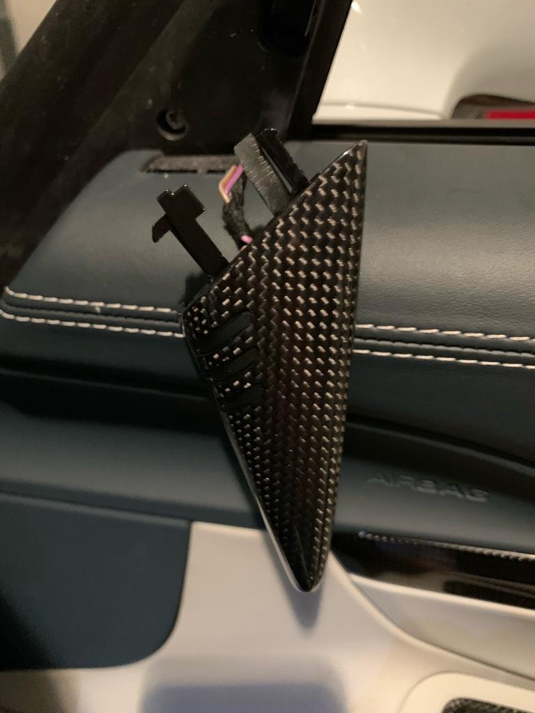Tuto 991.2: installation détecteurs d'angles morts pièce DBCarbon 1f946710