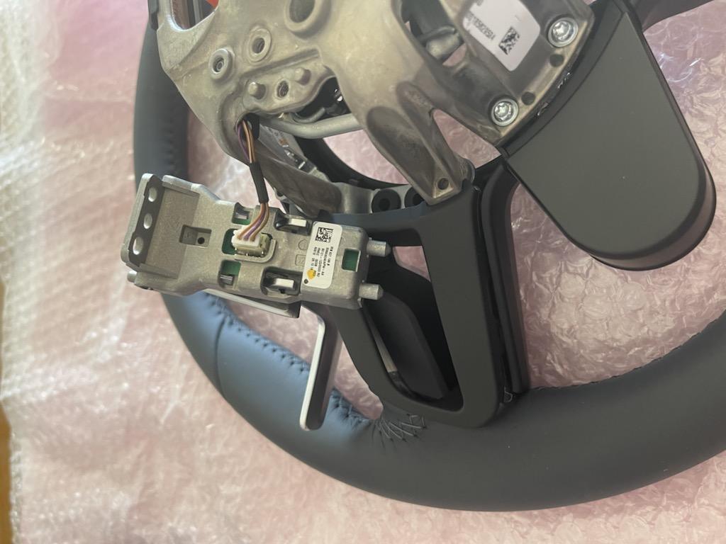 Tuto 991.2: customisation volant sport GT multifonctions PDK/Sport Chrono avec pièces DBCarbon 28637710