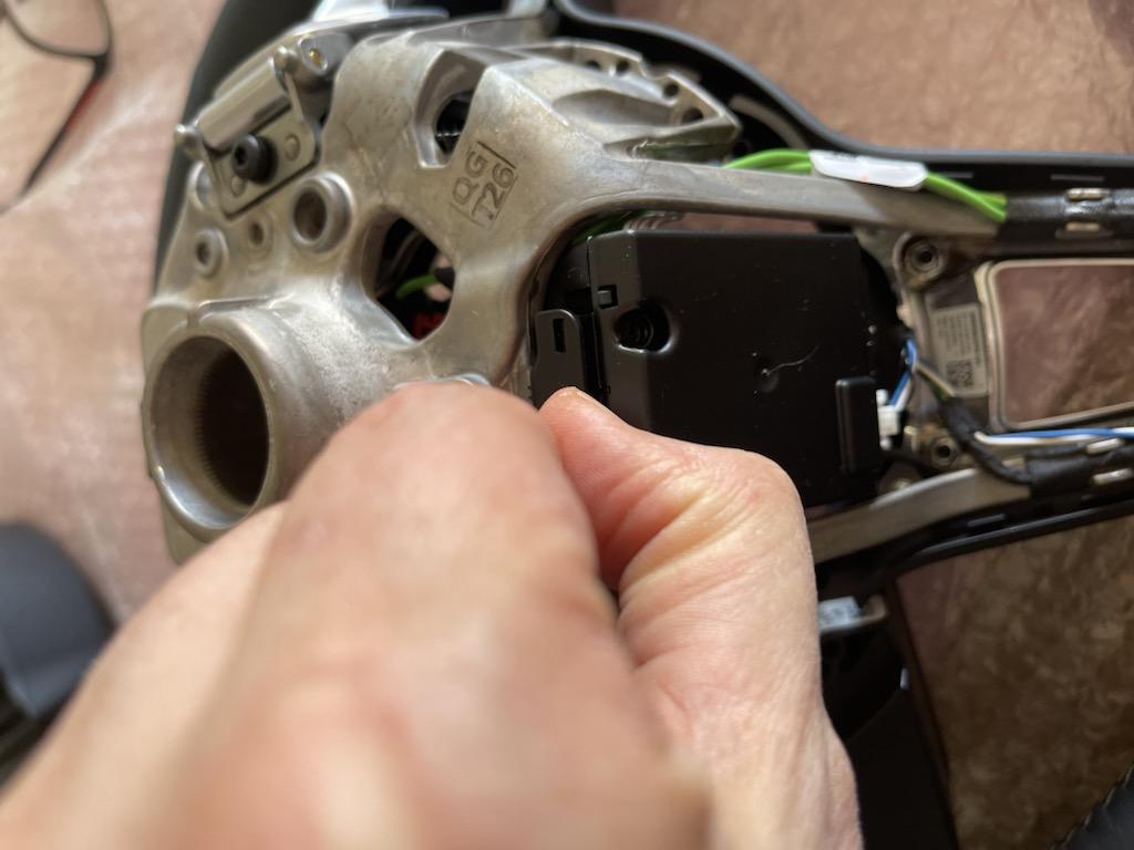 Tuto 991.2: customisation volant sport GT multifonctions PDK/Sport Chrono avec pièces DBCarbon 2f2ee910