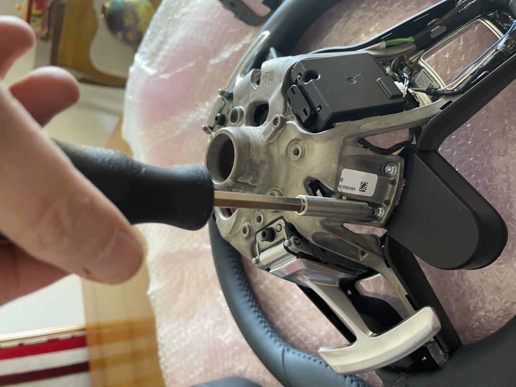 Tuto 991.2: customisation volant sport GT multifonctions PDK/Sport Chrono avec pièces DBCarbon 32fc9d10