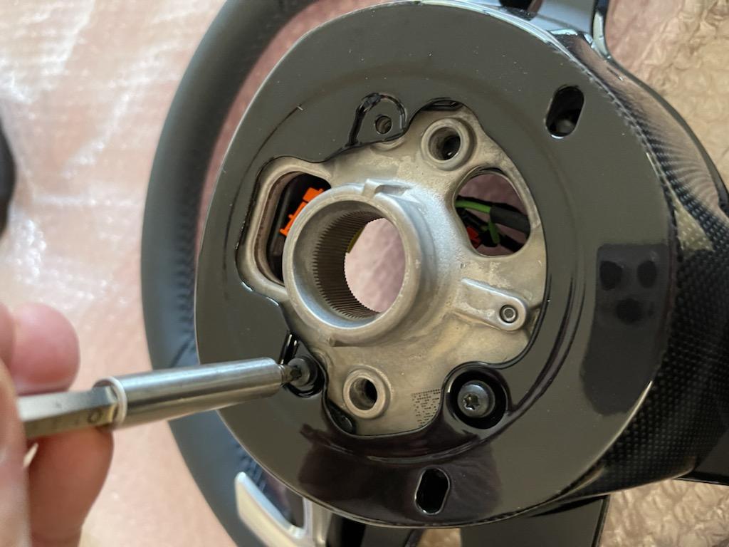Tuto 991.2: customisation volant sport GT multifonctions PDK/Sport Chrono avec pièces DBCarbon 33457e10