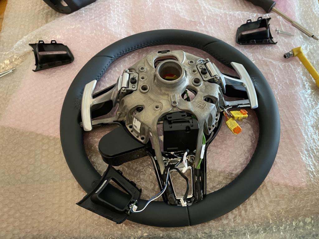 Tuto 991.2: customisation volant sport GT multifonctions PDK/Sport Chrono avec pièces DBCarbon 36256510