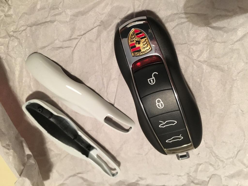 Tuto 981/718/991/992: Montage clef peinte avec pièce Porsche SportDesign 4795ae10