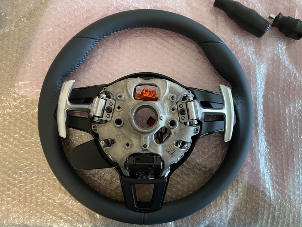 Tuto 991.2: customisation volant sport GT multifonctions PDK/Sport Chrono avec pièces DBCarbon 481ff410