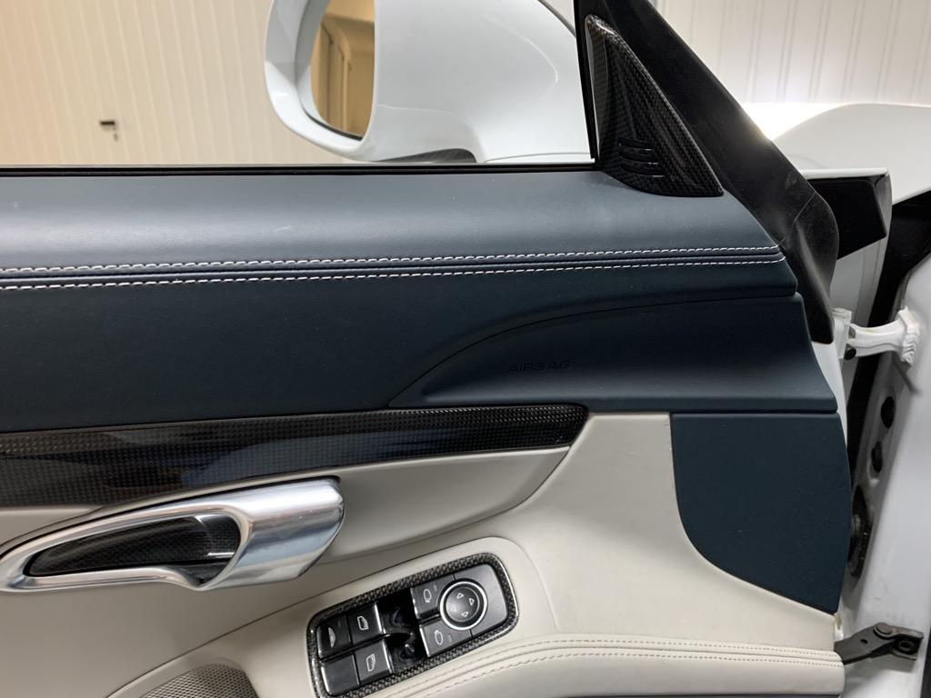 Tuto 991.2: Installation cache latérale airbag portière pièce DBCarbon 7380f610