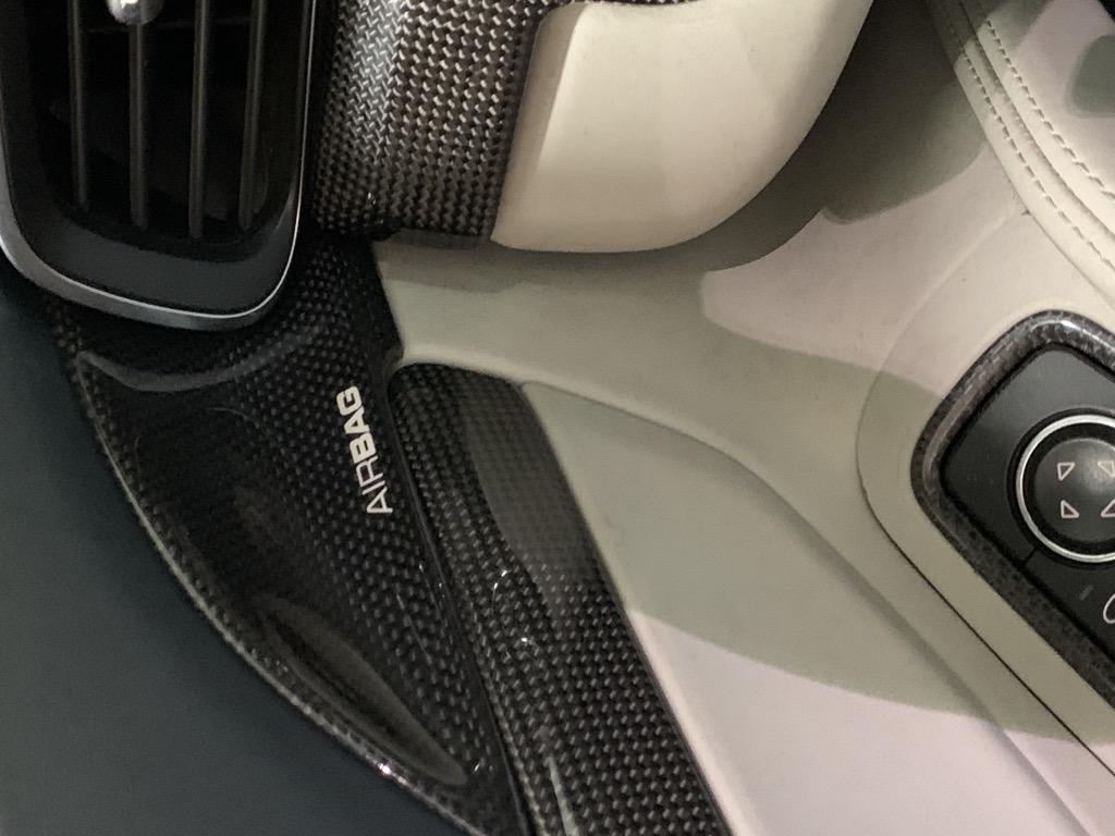 Tuto 991.2: Installation cache latérale airbag portière pièce DBCarbon 7695cf10
