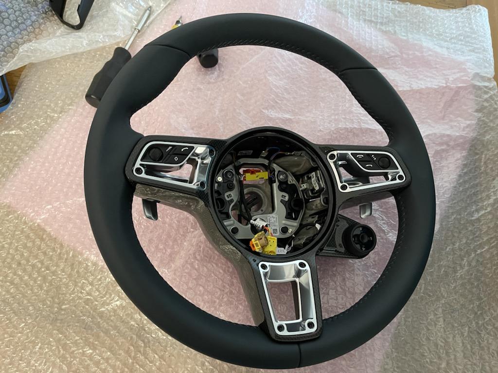 Tuto 991.2: customisation volant sport GT multifonctions PDK/Sport Chrono avec pièces DBCarbon 99687c10