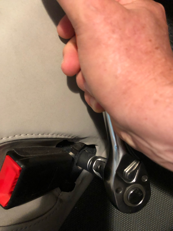 Tuto 991.2: installation d'un vide poche arrière avec pièce DBCarbon Bc911-29