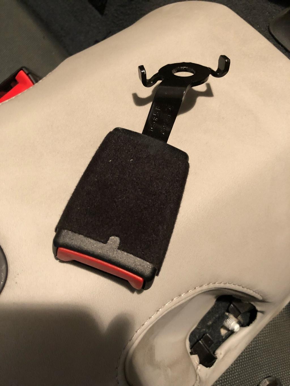 Tuto 991.2: installation d'un vide poche arrière avec pièce DBCarbon Bc911-30
