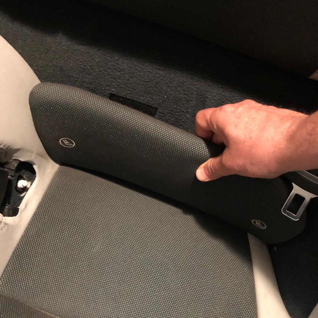 Tuto 991.2: installation d'un vide poche arrière avec pièce DBCarbon Bc911-31