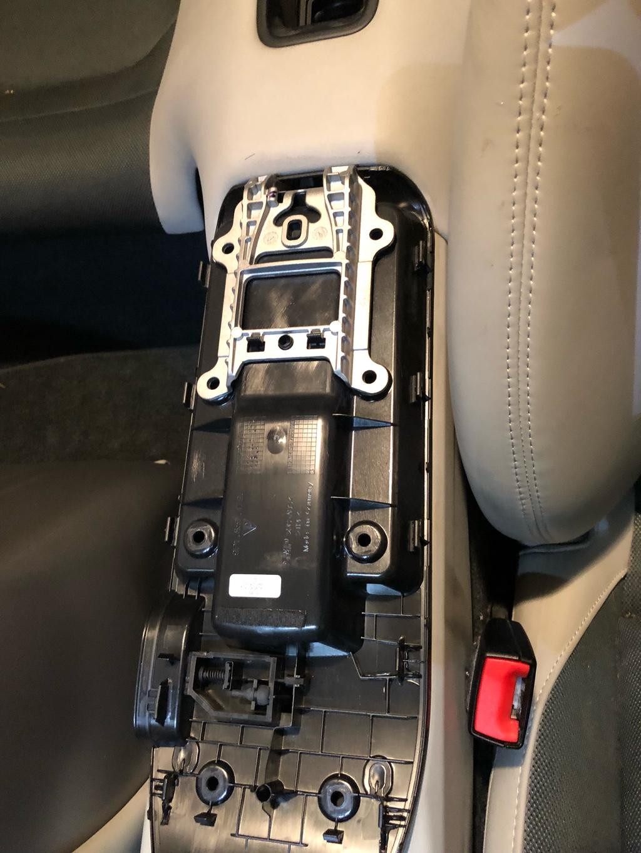 Tuto 991.2: installation d'un vide poche arrière avec pièce DBCarbon Bc911-36