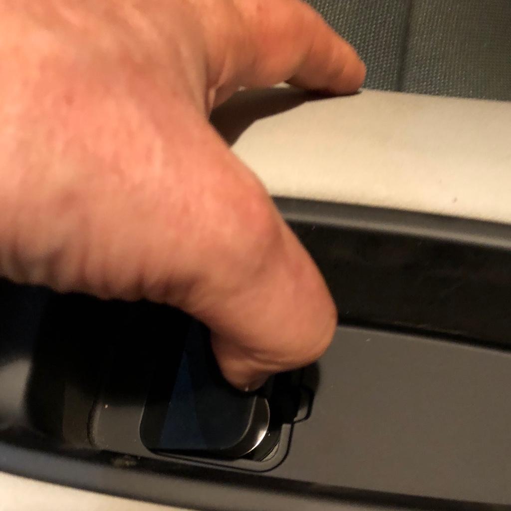Tuto 991.2: installation d'un vide poche arrière avec pièce DBCarbon Bc911-39