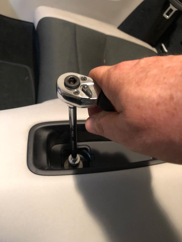 Tuto 991.2: installation d'un vide poche arrière avec pièce DBCarbon Bc911-41