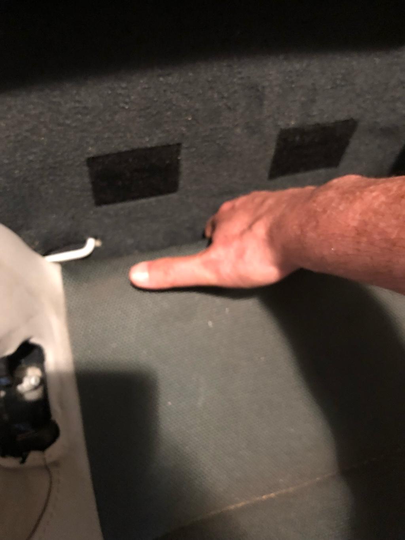 Tuto 991.2: installation d'un vide poche arrière avec pièce DBCarbon Bc911-43