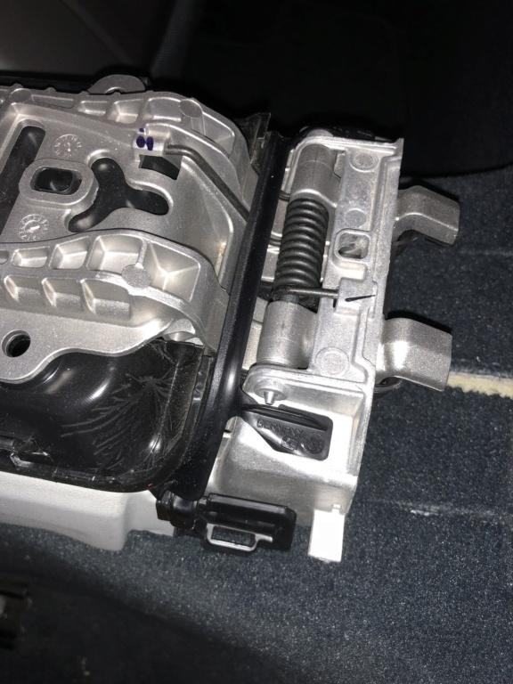 Tuto 991.2: installation d'un vide poche arrière avec pièce DBCarbon Bc911-50