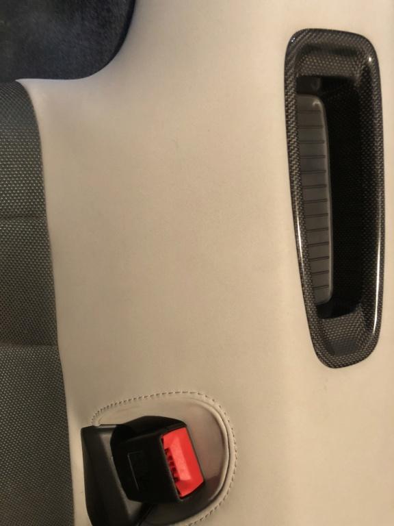 Tuto 991.2: installation d'un vide poche arrière avec pièce DBCarbon Bc911-52